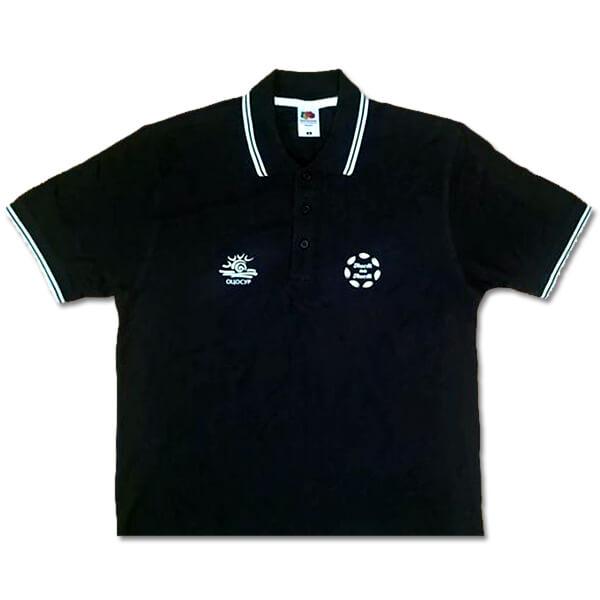 черна тениска с яка